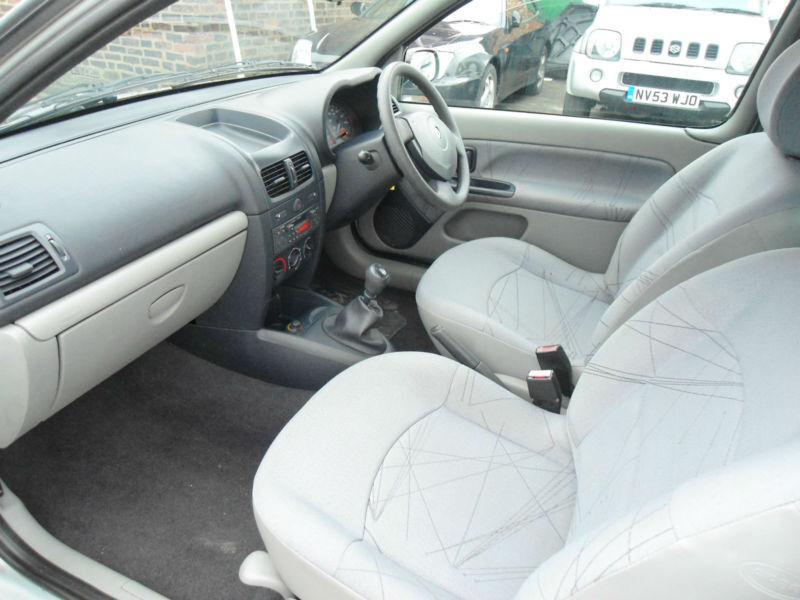 Renault Clio 2003 Interior Renault Clio 2003 Silver