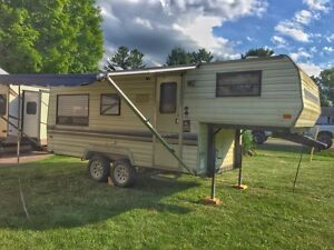 1990 21 Foot Prowler 5th wheel