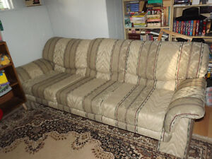 Couch in new condition West Island Greater Montréal image 1