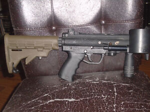 paintball gun with helmet and vest