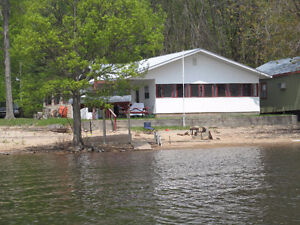 Beachfront cottage on the Ottawa River