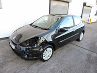 11 Renault Clio 1.6 Auto Expression Damaged Salvage Repairable Cat D