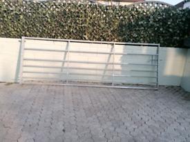 Large farm gate