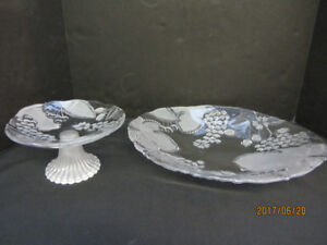 2 PC MIKASA CRYSTAL FROSTED FRUIT PLATTER AND TIERED PLATE