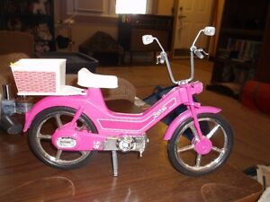 A BARBIE  SCOOTER / BIKE - IN  GREAT CONDITION !!!