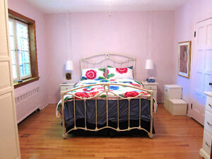 Belle grande chambre / beautiful large bedroom in 4 1/2 - SEPT.