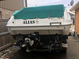Sea Ray Boat for Sale!