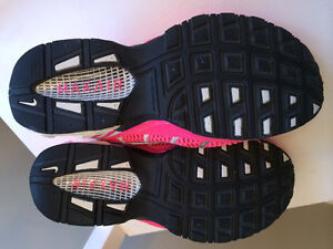 NIKE Air Max Torch 4 - LIKE NEW! Kitchener / Waterloo Kitchener Area image 2