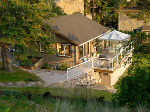 Okanagan Lakefront Vacation Rental - Minutes from Ellison Park
