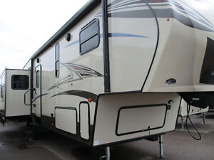 2017 CRUSADER, 34 MB, 5TH WHEEL, MONCTON