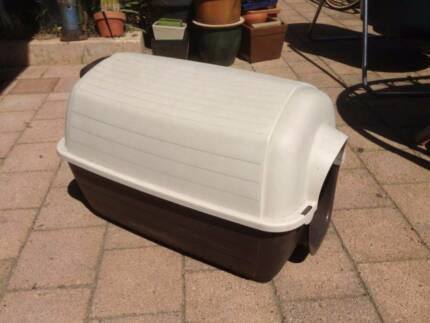 Small Plastic Dog Kennel Beckenham Gosnells Area Preview
