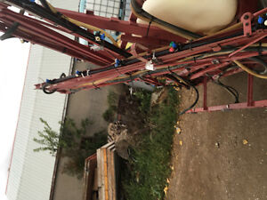 REDUCED HARDI 42 FOOT BOOM AND CONTROLS REDUCED London Ontario image 9
