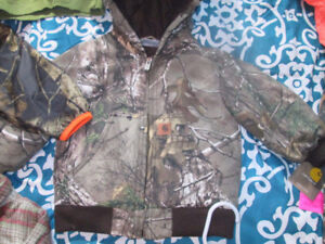 REALTREE/ MOSSY OAK CAMO Clothing LOT + bunch of extra clothing