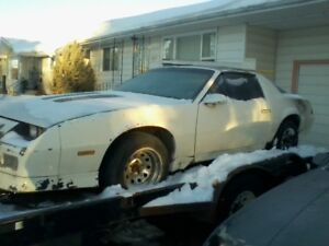 For Sale / Trade - 1985 camaro z28 Runs and Drives $3500. Trade