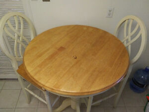 Pub table and chairs (moving sale)