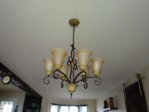 Luminaire suspendu. Style antique pour table de cuisine