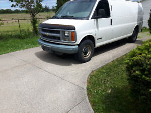 2000 Chevrolet Express 3500 ext cargo part out