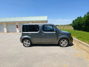2009 Nissan Cube - as is