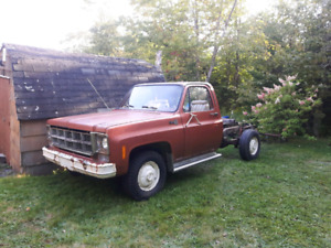 WANTED 1973-80 CHEVY OR GMC C/K 10 SQUARE BODY PARTS