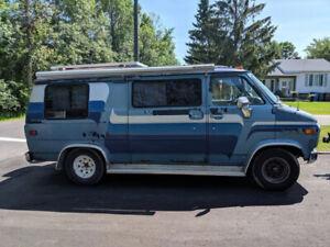 **NOUVEAU PRIX** Camper Chevrolet Chevy Van 1980
