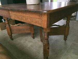 Antique Table - Good Condition Cambridge Kitchener Area image 2