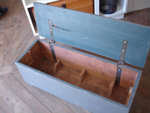 tool chest / blanket box on wheel casters