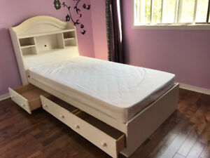 Buy Or Sell Beds Mattresses In Greater Montreal Furniture