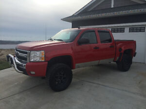 ********* LIFTED 2008 CHEVY 1500 VERY NICE TRUCK *******
