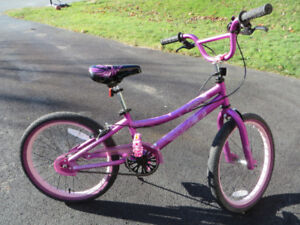 "Girls Supercycle Dreamweaver Bike - 20"" Excellent Cond."