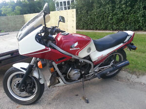 Honda Interceptor vf750f