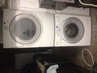 3yr old Stackable Washer Dryer Whirpool 27'