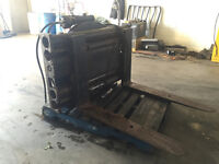 Forklift rotator and forkpositioner