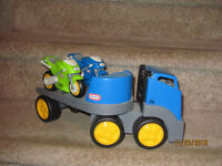 Little Tikes RUGGED RIGGZ Blue Truck Hauler 2 Motorcycles