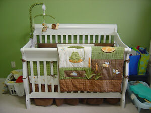 NoJo Froggy Friends crib bedding set complete with mobile