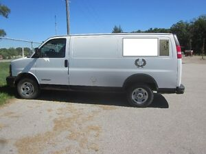 2003 GMC 2500 Van **SAFTIED AND ETESTED!** RUNS WELL!!