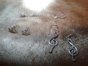 4 pairs of small sterling silver earrings, very good condition