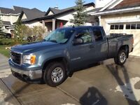 2007 GMC SIERRA 1500 EXT CAB (only70,000km!)