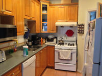 BEAUTIFUL HOME $600 Rent By Queen E Park
