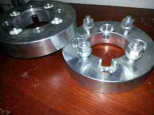 """4x100 wheel spacers 1.5"""" thick x2 asking $50"""
