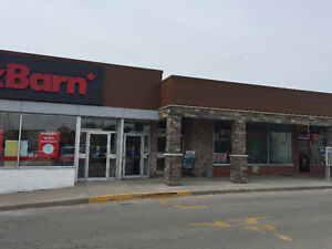 2350 sqft available in busiest shopping plaza in Leamington