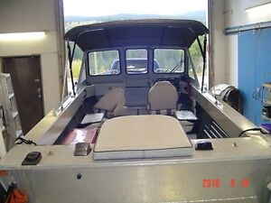 nice clean 1 owner jet boat with top/near new condition,trailer.