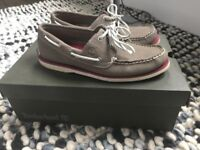 Timberland boat shoes size 8