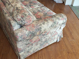LOVE SEAT,.LIKE NEW,..CLEAN. Kitchener / Waterloo Kitchener Area image 2