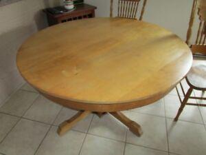 table  antique  ronde   45  de  diametre  par  28  de  haut