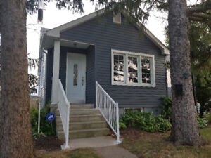 Great bachelor unit for rent in duplex home!