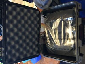 Pelican storm im2100 case with padded divider (NEW)