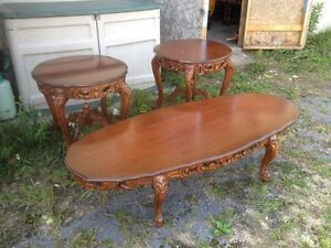 Intricate design coffee & 2 end table set