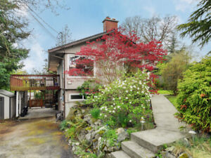 265 Balfour Place-5 Bedroom House with a  Suite! Great Location!