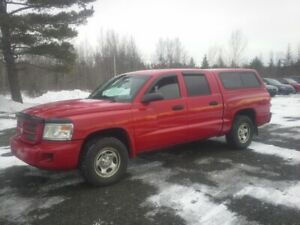 2008 Dodge Dakota !! 4X4 !! 4 DOOR TRUCK !! V6 !!