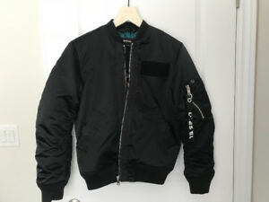 10/10 brand new diesel jacket never worn bought only a month ago